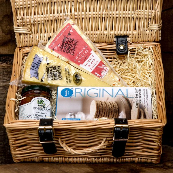 TWO CHEESE HAMPER WITH OAT BISCUITS & CHEDDAR PICKLE
